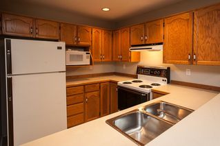 "Photo 7: 210 22356 MCINTOSH Avenue in Maple Ridge: West Central Condo for sale in ""Windsor Crossing"" : MLS®# R2013854"