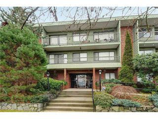 "Photo 1: 109 1844 W 7TH Avenue in Vancouver: Kitsilano Condo for sale in ""CRESTVIEW MANOR"" (Vancouver West)  : MLS®# R2045301"