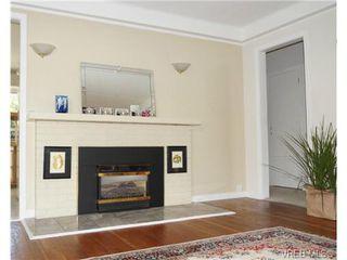 Photo 11: 1723 Albert Avenue in VICTORIA: Vi Fernwood Single Family Detached for sale (Victoria)  : MLS®# 367417