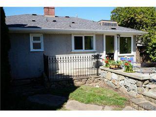 Photo 2: 1723 Albert Avenue in VICTORIA: Vi Fernwood Single Family Detached for sale (Victoria)  : MLS®# 367417