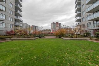 "Photo 8: 2706 892 CARNARVON Street in New Westminster: Downtown NW Condo for sale in ""Azure II at Plaza 88"" : MLS®# R2112997"