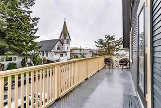"Photo 10: 925 E 19TH Avenue in Vancouver: Fraser VE House for sale in ""KENSINGTON/CEDAR COTTAGE"" (Vancouver East)  : MLS®# R2161011"
