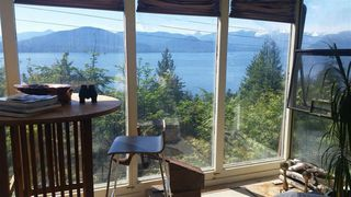 """Photo 2: 45 CREEKVIEW Place in West Vancouver: Lions Bay House for sale in """"Lions Bay"""" : MLS®# R2165156"""