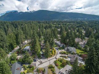 Photo 4: 3747 RIVIERE PLACE in North Vancouver: Edgemont House for sale : MLS®# R2089697