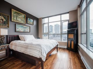 Photo 3: 801 1050 Smithe Street in Vancouver: West End VW Condo for sale (Vancouver West)  : MLS®# R2028315