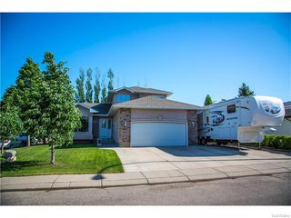 Photo 2: 203 Scissons Court in Saskatoon: Silverspring Residential for sale : MLS®# 613638