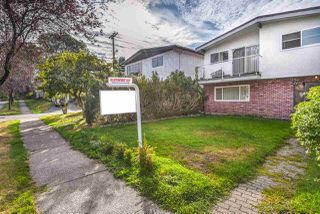 Photo 2: 2892 E 14TH Avenue in Vancouver: Renfrew Heights House for sale (Vancouver East)  : MLS®# R2209163