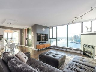 Photo 2: 1506 1088 QUEBEC Street in Vancouver: Mount Pleasant VE Condo for sale (Vancouver East)  : MLS®# R2231887