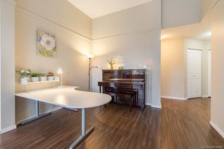 Photo 4: 503 3156 DAYANEE SPRINGS Boulevard in Coquitlam: Westwood Plateau Condo for sale : MLS®# R2234089