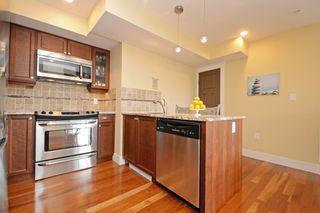 Photo 6: 301 1494 Fairfield Road in VICTORIA: Vi Fairfield West Condo Apartment for sale (Victoria)  : MLS®# 389023