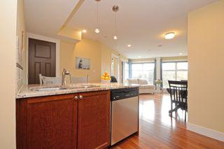 Photo 7: 301 1494 Fairfield Road in VICTORIA: Vi Fairfield West Condo Apartment for sale (Victoria)  : MLS®# 389023