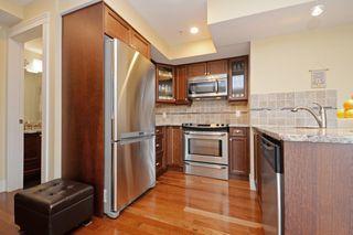 Photo 3: 301 1494 Fairfield Road in VICTORIA: Vi Fairfield West Condo Apartment for sale (Victoria)  : MLS®# 389023