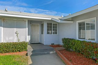 Photo 3: EAST ESCONDIDO House for sale : 3 bedrooms : 1134 BUENA VISTA AVENUE in Escondido