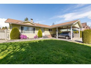 Photo 3: 13439 66A Avenue in Surrey: West Newton House for sale : MLS®# R2257209