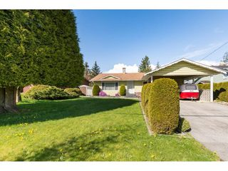 Photo 2: 13439 66A Avenue in Surrey: West Newton House for sale : MLS®# R2257209