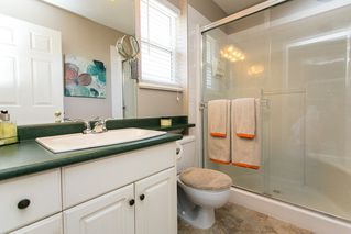 Photo 11: 8663 206B Street in Langley: Walnut Grove House for sale : MLS®# R2273407
