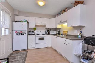 Photo 15: 2453 Whitehorn Place in VICTORIA: La Thetis Heights Single Family Detached for sale (Langford)  : MLS®# 394062