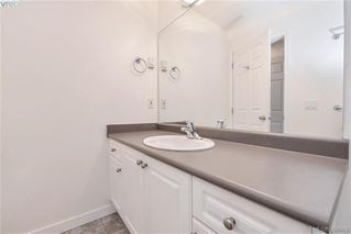 Photo 9: 2453 Whitehorn Pl in VICTORIA: La Thetis Heights House for sale (Langford)  : MLS®# 789960