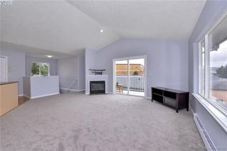 Photo 6: 2453 Whitehorn Pl in VICTORIA: La Thetis Heights House for sale (Langford)  : MLS®# 789960