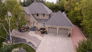 Photo 1: 293 NORTH HILL Drive in East St Paul: North Hill Park Residential for sale (3P)  : MLS®# 1816528