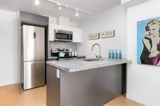 "Photo 3: 912 188 KEEFER Street in Vancouver: Downtown VE Condo for sale in ""188 KEEFER"" (Vancouver East)  : MLS®# R2306142"