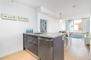 "Photo 2: 912 188 KEEFER Street in Vancouver: Downtown VE Condo for sale in ""188 KEEFER"" (Vancouver East)  : MLS®# R2306142"