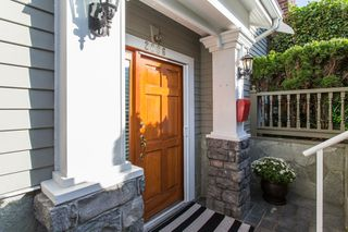 "Photo 2: 2086 LARCH Street in Vancouver: Kitsilano Townhouse for sale in ""Self Managed"" (Vancouver West)  : MLS®# R2310705"