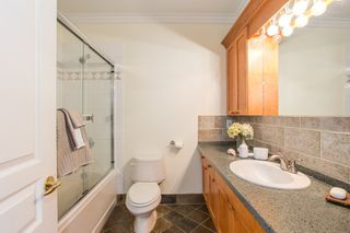 "Photo 14: 2086 LARCH Street in Vancouver: Kitsilano Townhouse for sale in ""Self Managed"" (Vancouver West)  : MLS®# R2310705"