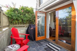 "Photo 11: 2086 LARCH Street in Vancouver: Kitsilano Townhouse for sale in ""Self Managed"" (Vancouver West)  : MLS®# R2310705"