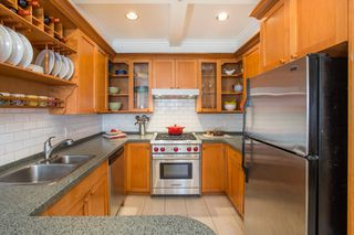 "Photo 6: 2086 LARCH Street in Vancouver: Kitsilano Townhouse for sale in ""Self Managed"" (Vancouver West)  : MLS®# R2310705"