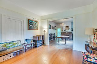 """Photo 4: 510 ST. GEORGE Street in New Westminster: Queens Park House for sale in """"QUEEN'S PARK"""" : MLS®# R2311753"""