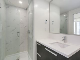 Photo 12: 2002 6333 SILVER Avenue in Burnaby: Metrotown Condo for sale (Burnaby South)  : MLS®# R2316895