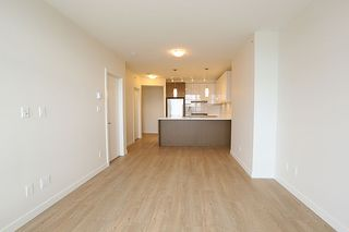 """Photo 4: 2706 3080 LINCOLN Avenue in Coquitlam: North Coquitlam Condo for sale in """"1123 WESTWOOD"""" : MLS®# R2318657"""