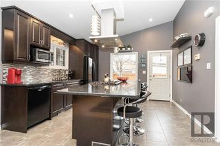 Photo 4: 94 Knotsberry Bay in Winnipeg: River Park South Residential for sale (2F)  : MLS®# 1829510