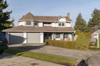 Photo 1: 9505 206A Street in Langley: Walnut Grove House for sale : MLS®# R2326328
