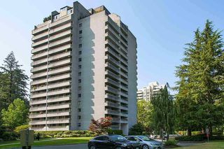 """Main Photo: 306 4134 MAYWOOD Street in Burnaby: Metrotown Condo for sale in """"PARK AVENUE TOWERS"""" (Burnaby South)  : MLS®# R2328735"""