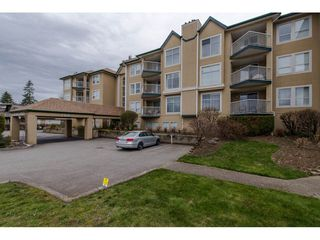 "Main Photo: 208 2410 EMERSON Street in Abbotsford: Abbotsford West Condo for sale in ""Lakeway Gardens"" : MLS®# R2335203"