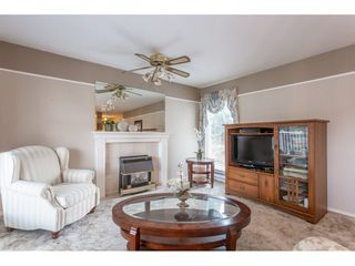"""Photo 5: 208 2410 EMERSON Street in Abbotsford: Abbotsford West Condo for sale in """"Lakeway Gardens"""" : MLS®# R2335203"""