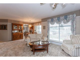 """Photo 6: 208 2410 EMERSON Street in Abbotsford: Abbotsford West Condo for sale in """"Lakeway Gardens"""" : MLS®# R2335203"""
