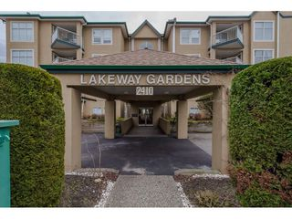 """Photo 2: 208 2410 EMERSON Street in Abbotsford: Abbotsford West Condo for sale in """"Lakeway Gardens"""" : MLS®# R2335203"""