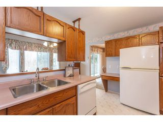 """Photo 12: 208 2410 EMERSON Street in Abbotsford: Abbotsford West Condo for sale in """"Lakeway Gardens"""" : MLS®# R2335203"""