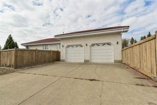 Photo 3: 258 WOLF RIDGE Close in Edmonton: Zone 22 House for sale : MLS®# E4147026