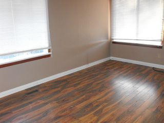 Photo 5: 5007 45 Street: Myrnam House for sale : MLS®# E4147409