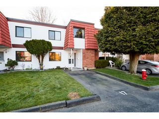 "Photo 1: 17 10680 SPRINGMONT Drive in Richmond: Steveston North Townhouse for sale in ""SEQUIOA PLACE"" : MLS®# R2350935"