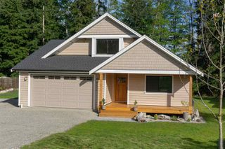 """Photo 1: 1422 STARDUST Place in Gibsons: Gibsons & Area House for sale in """"GEORGIA CREST"""" (Sunshine Coast)  : MLS®# R2367276"""