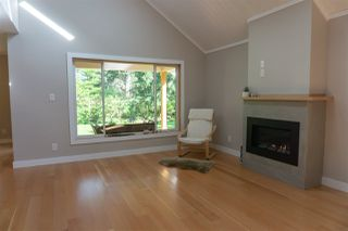 """Photo 17: 1422 STARDUST Place in Gibsons: Gibsons & Area House for sale in """"GEORGIA CREST"""" (Sunshine Coast)  : MLS®# R2367276"""