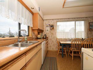 Photo 13: 2974 Irma Street in VICTORIA: Vi Burnside Single Family Detached for sale (Victoria)  : MLS®# 410573