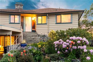 Photo 2: 2974 Irma Street in VICTORIA: Vi Burnside Single Family Detached for sale (Victoria)  : MLS®# 410573