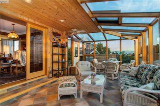 Photo 5: 2974 Irma Street in VICTORIA: Vi Burnside Single Family Detached for sale (Victoria)  : MLS®# 410573