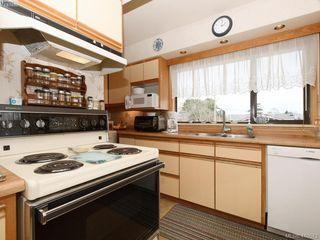 Photo 14: 2974 Irma Street in VICTORIA: Vi Burnside Single Family Detached for sale (Victoria)  : MLS®# 410573